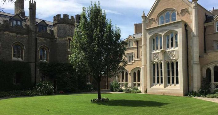 Peterhouse College housing for summer study abroad in Cambridge