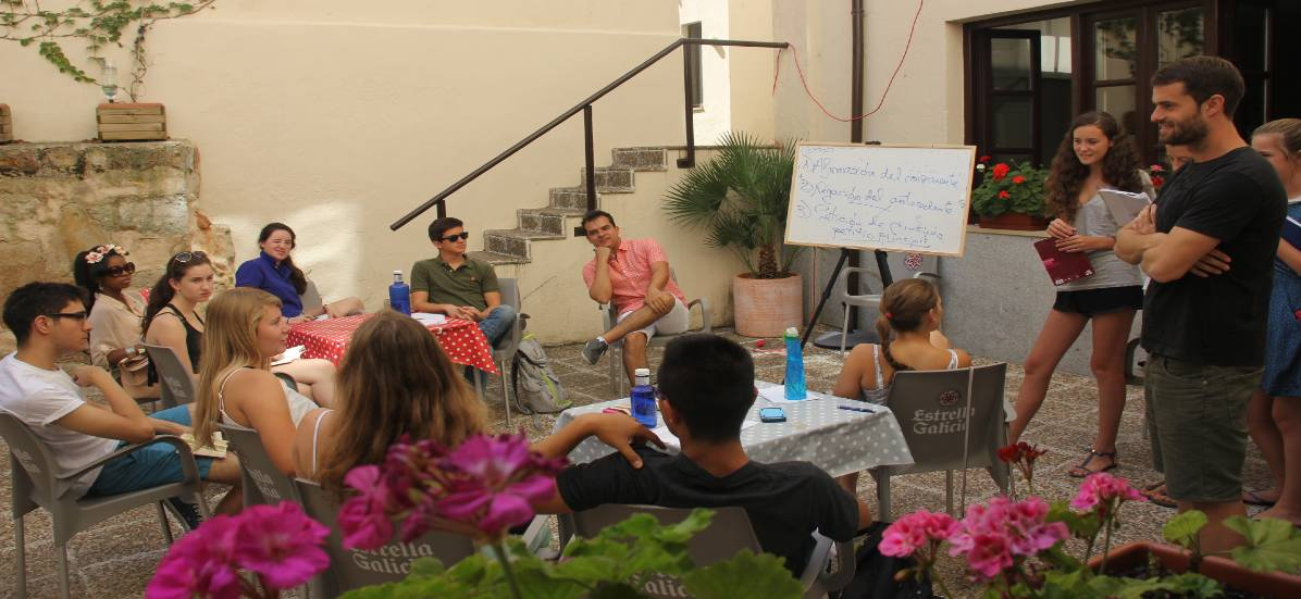 Students in Salamanca, Spain gathered outdoors for a summer course